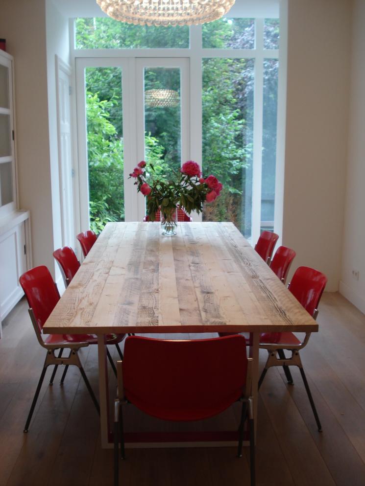 tafel steigerhout geschilderd onderstel,amsterdam