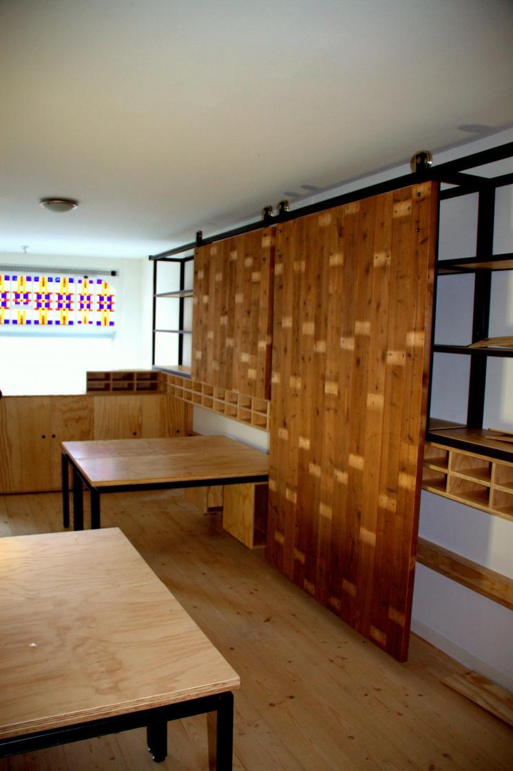 kantoorinrichting, bedrijfsinrichting, wandmeubel, tafel, laswerk