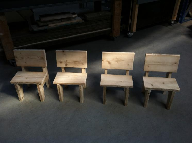 Kinderstoeltje, stelseigerhout, amsterdam, kindermeubels