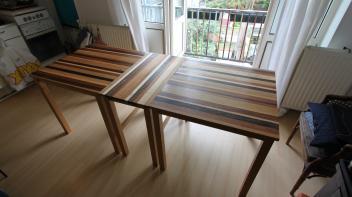 Massief houten tafel, Amsterdam, tafeltjes vesrchillende kleuren hout