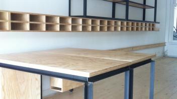 kantoorinrichting, bedrijfs inrichting, wandmeubel, tafels, laswerk