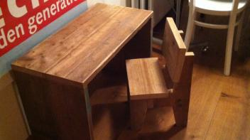 Kinderstoeltje met bureau, steigerhout, amsterdam, kindermeubel