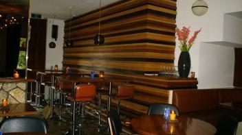 wandmeubel, bedrijfs inrichting, massief hout